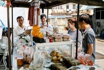 samsen market a vietnamese culture hub in the middle of thailand