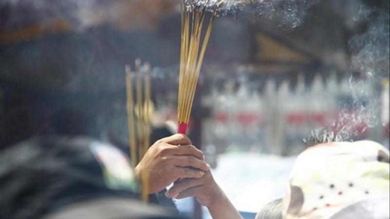 worship rituals during lunar new year in vietnam