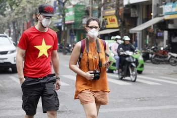 Vietnam requires all citizens, foreigners to wear masks at crowded places