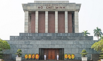 Ho Chi Minh Mausoleum to suspend visits over COVID-19 concerns