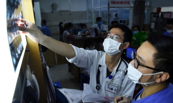 Hanoi hospital tests 5,000 staffs, patients  for Covid-19