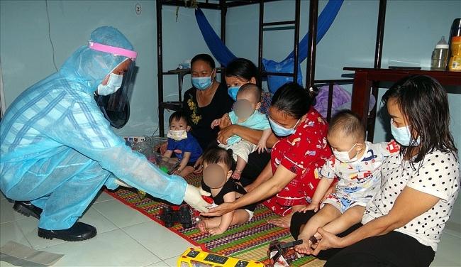 Repatriated children recieve attentive care at qurantine zone