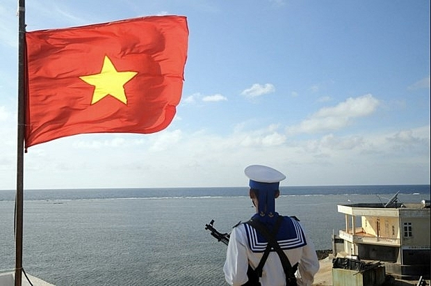 Organizations, agencies in Hanoi donate VND 12 bil to fund for sea, islands