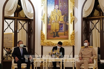 thai pm attaches importance to strategic partnership with vietnam