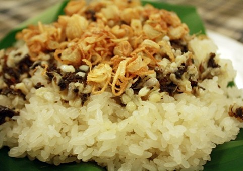 steam glutinous rice with ant egg an exotic taste for foodies