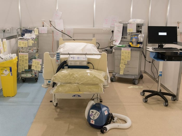uk builds 4000 bed field hospital within 9 days