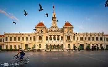 ho chi minh city left deserted during nationwide social isolation