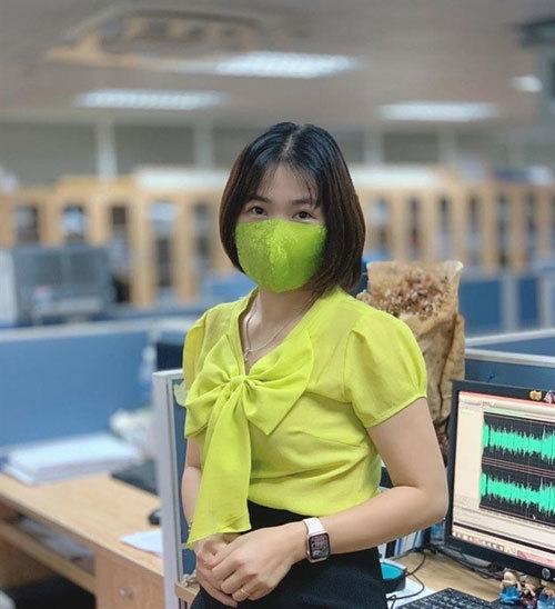 vietnamese young beauties look more attractive with fashioned face masks
