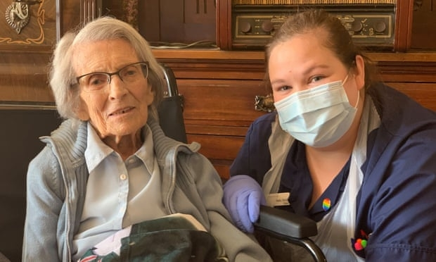 106 year old covid 19 patient discharged from hospital