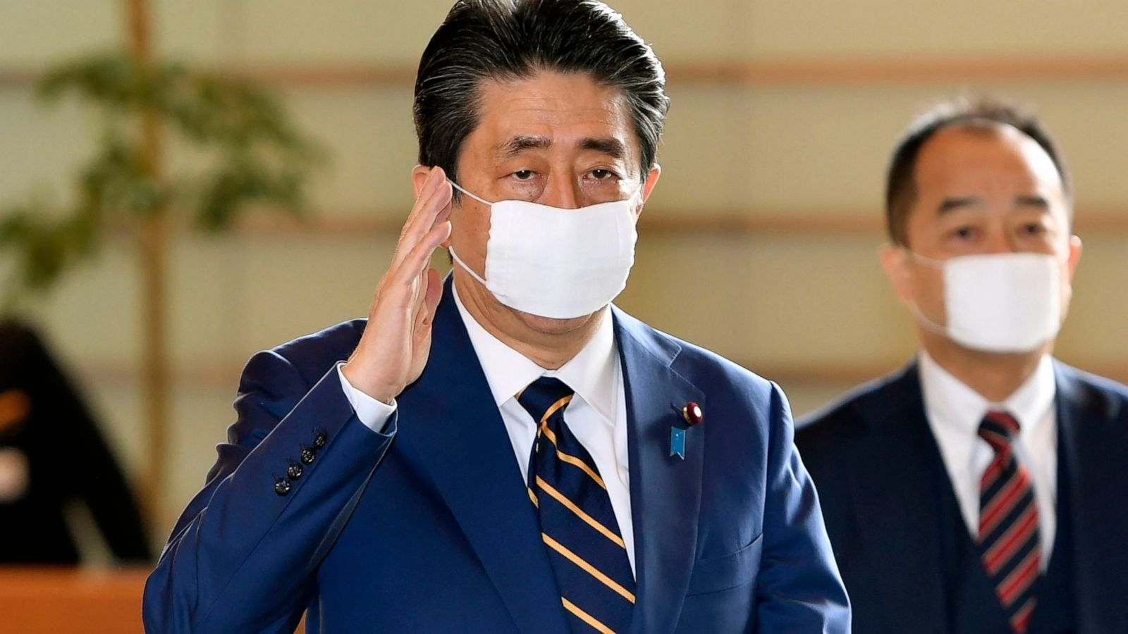 coronavirus live updates worlds infections surpasses 2 millions japan declares nationwide state of emergency