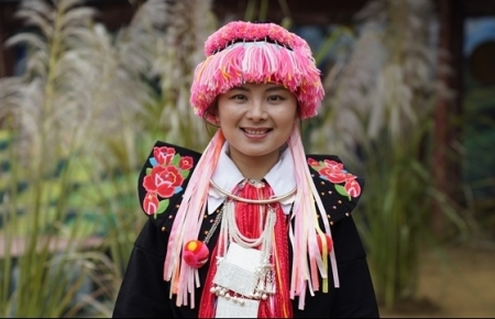 First Dao Tuyen ethnic woman to earn master's degree abroad against adversity