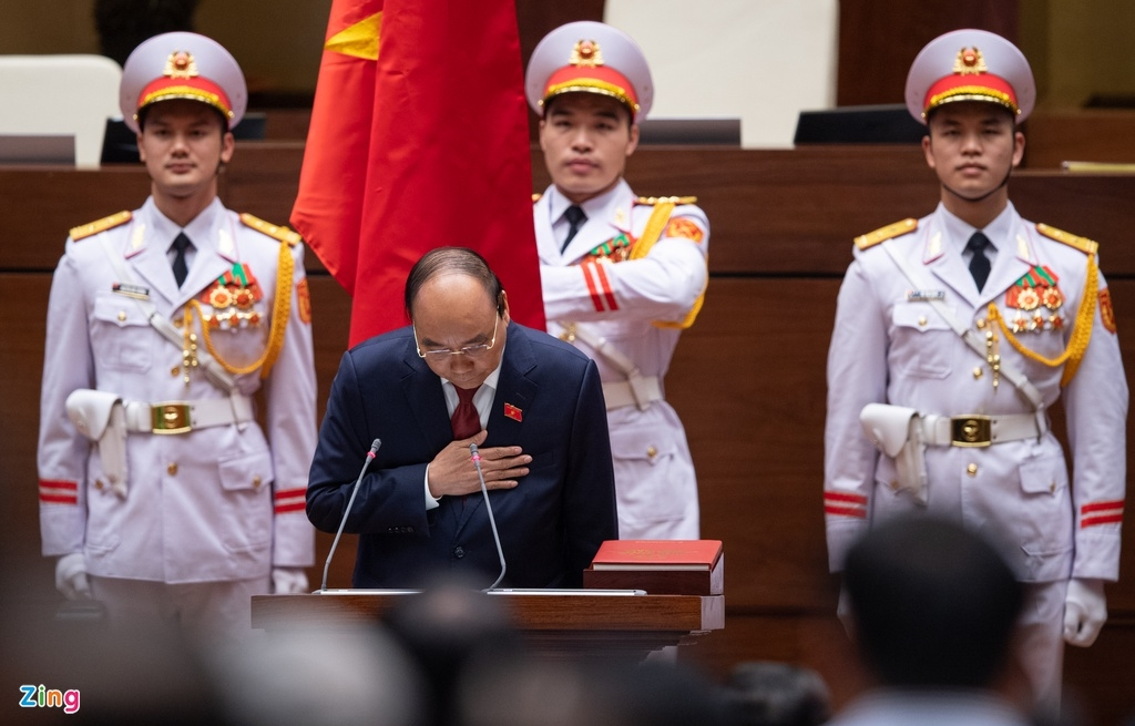 In photos: Nguyen Xuan Phuc Sworn In As New State President of Viet Nam