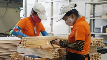 Vietnam aims to become world leading forest product trading centre