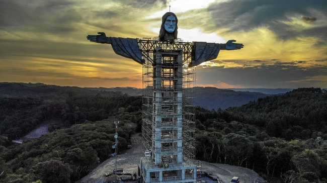 World breaking news today (April 11):  Brazil building new giant Christ statue, taller than Rio