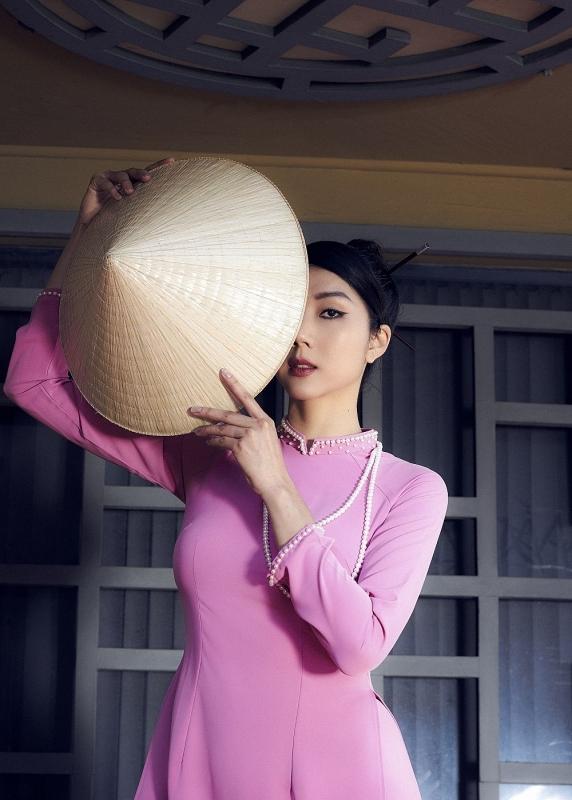 Overseas Vietnamese supermodel promotes traditional Ao Dai in US's runway