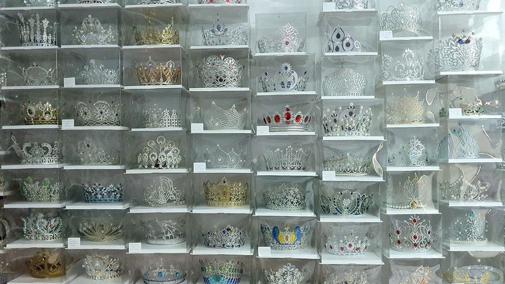 Impressive paper tiara collection of Vietnamese guy