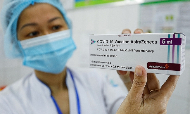 Vietnam hastens Covid-19 vaccination campaign out of expiration concerns