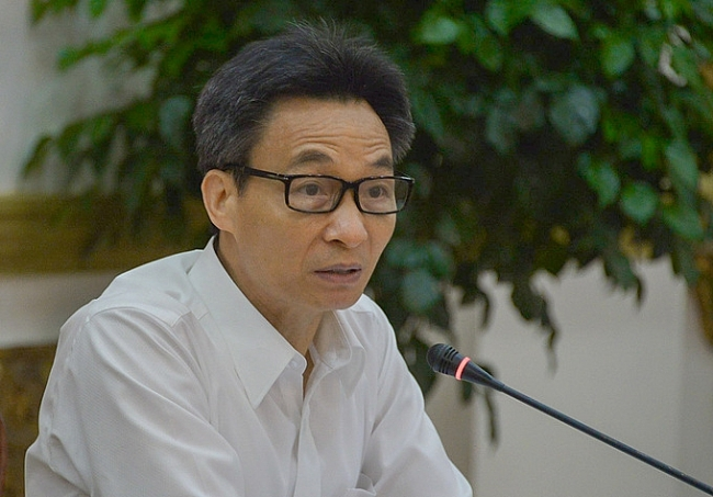 Deputy PM asks HCMC to impose hefty fine on maskless people in public places