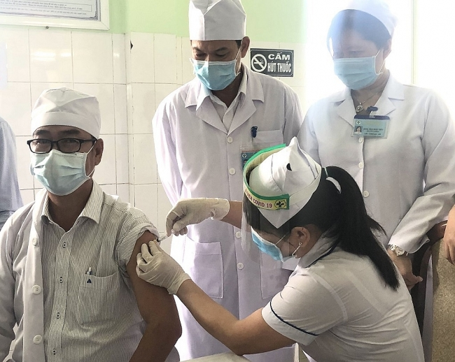Teachers at Mekong Delta prioritized for Covid-19 vaccine
