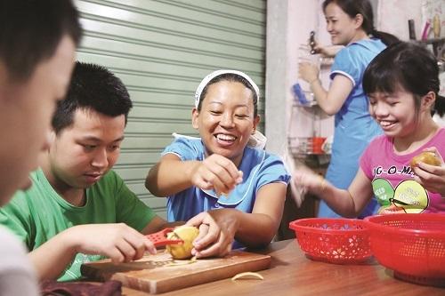 japanese teacher bridges gap with vietnamese children with autism