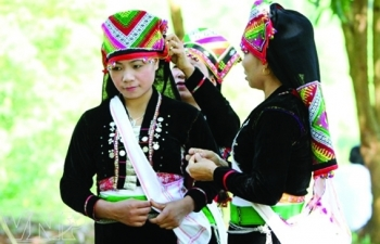 unique wedding ceremony of kho mu ethnic people