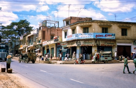 Rare colorful photos of pristine Gia Lai, Kon Tum in the 1970s