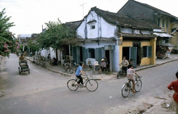 hoi an ancient town in 90s through lens of german photographer