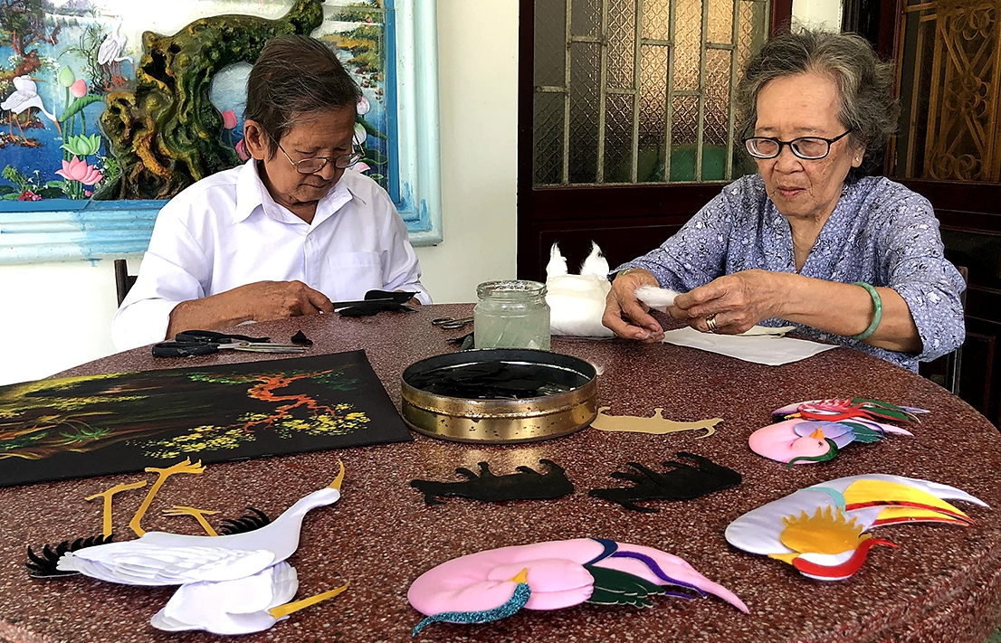 Couple spends over half a century preseving embossing technique