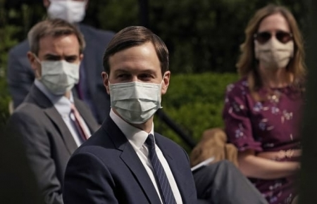 World news today: All White House staff required to wear face masks