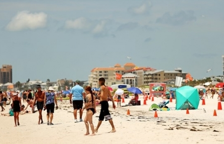 Restrictive measures in place as US beaches reopen for Memorial Day amid COVID-19 pandemic