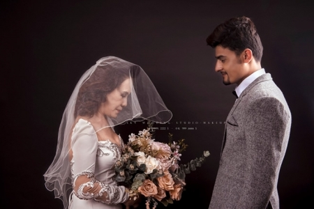 Sweet wedding shots of the 65-Vietnamese bride with her 24 -Pakistani groom spur Internet joy