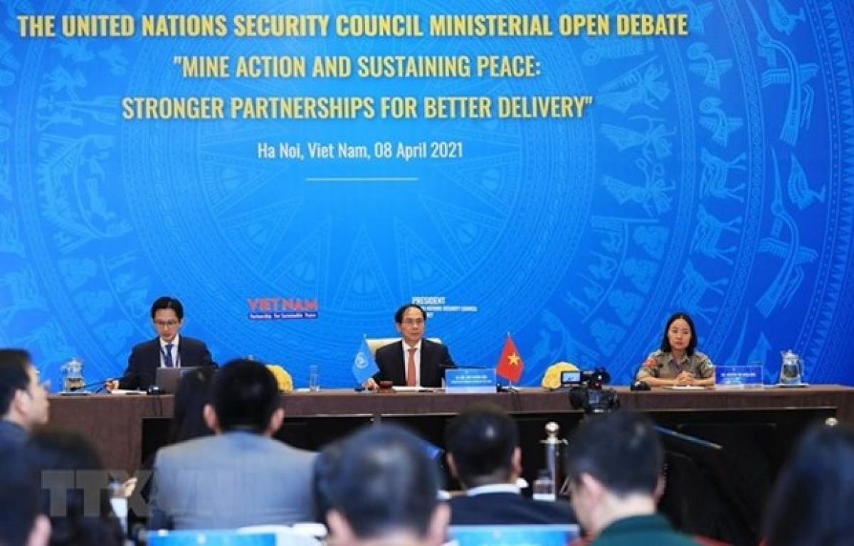 Vietnam News Today (May 2): PM requires Finance Ministry to reform mindset on policy building