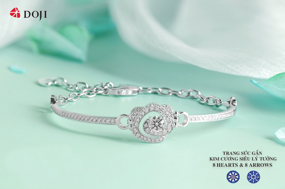 Celebrate a brilliant summer with 8 Hearts and 8 Arrows Diamond jewels