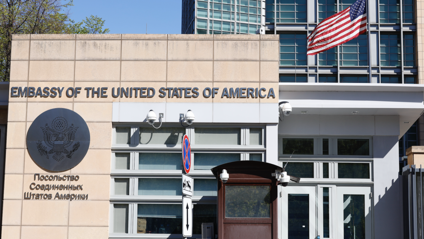 World breaking news today (May 13): US halts consular services in Russia after diplomatic row