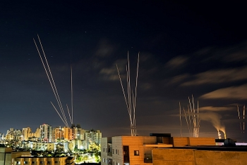 World breaking news today (May 16): Fresh rocket barrage targets central Israel after Hamas threat