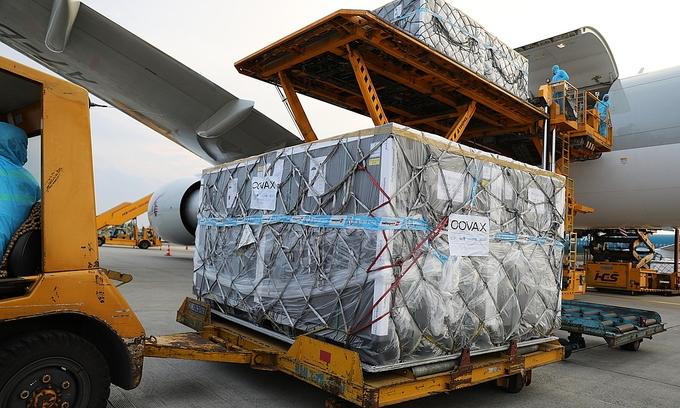 1.7 million Covid-19 vaccines arrive in Vietnam