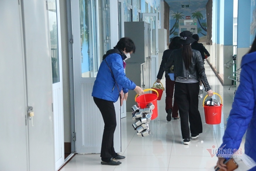 Covid-19 leaves thousands of Vietnamese students in quarantine