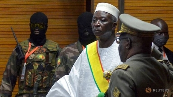World breaking news today (May 25): Military arrest Mali's president, prime minister and defence minister