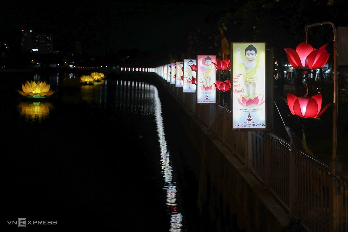 Saigon lights up as Vesak festival nears