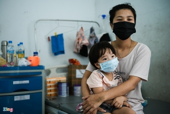 Infected children at Covid-19 treatment center in Bac Ninh