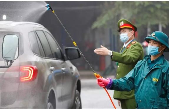 foreign journalists hail vietnamese efforts in coronavirus fight