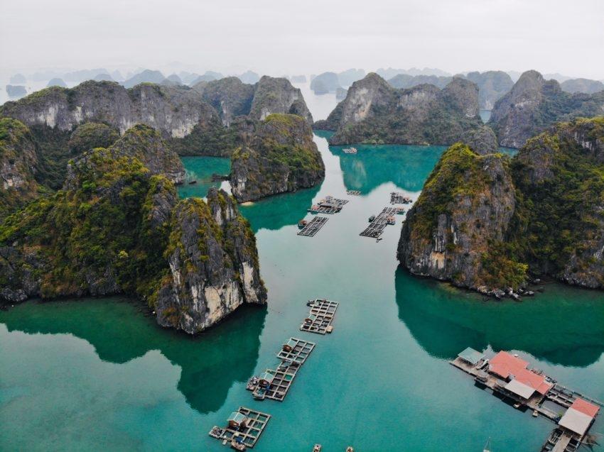 Vietnam's Bai Tu Long Bay under the camera of foreigner