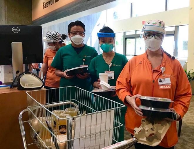 serving covid 19 us doctors free meals vietnamese american promotes vietnamese cuisine