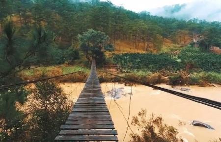 La Ba Bridge, suspension bridge not for the faint-hearted