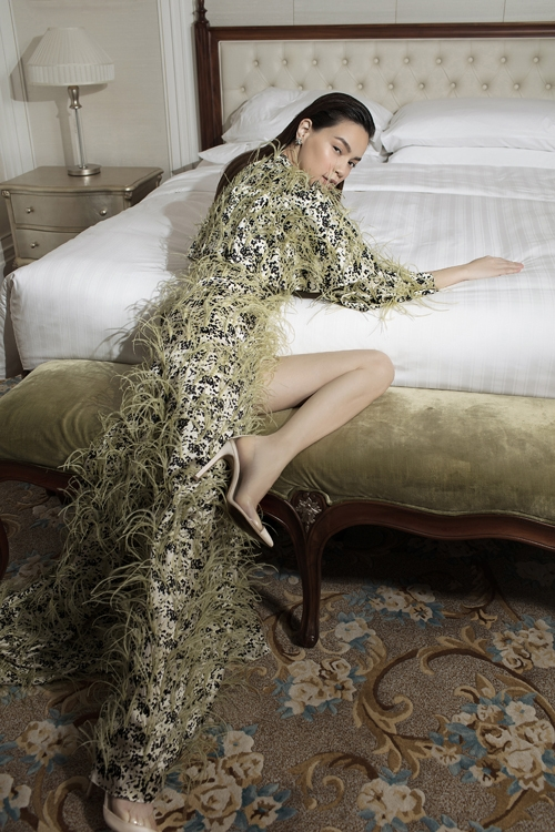 Cong Tri's lastest collection made debut on French Vogue
