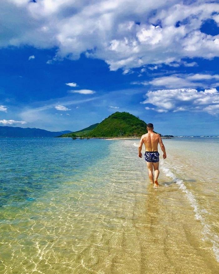 top 3 breathtaking undersea paths in vietnam