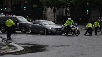 World news today: Boris Johnson involves in minor car crash outside British parliament