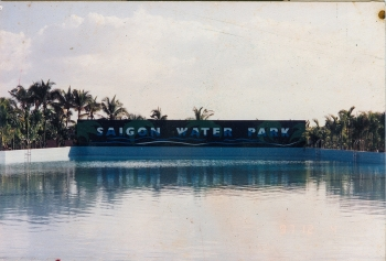 rare old photos of first water park in vietnam