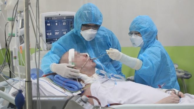 Stephen cameron being treated at cho ray hospital