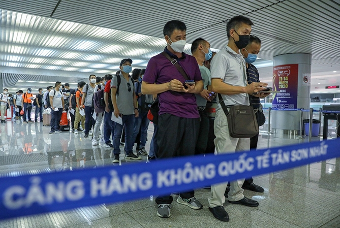Vietnam mulls over one-week quarantine for vaccinated entrants